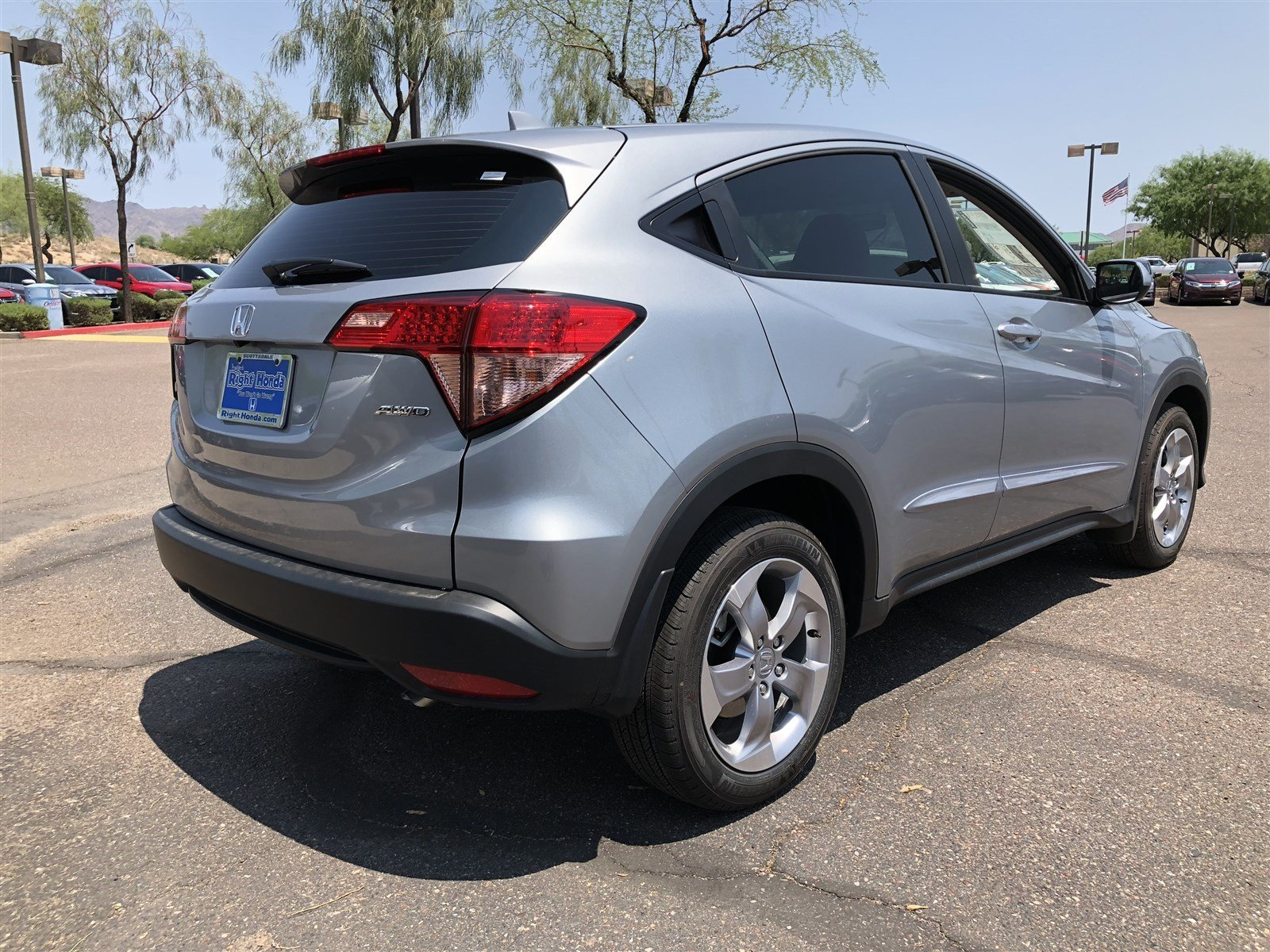 New 2018 Honda Hr V Lx Sport Utility In Scottsdale 00182296 Right